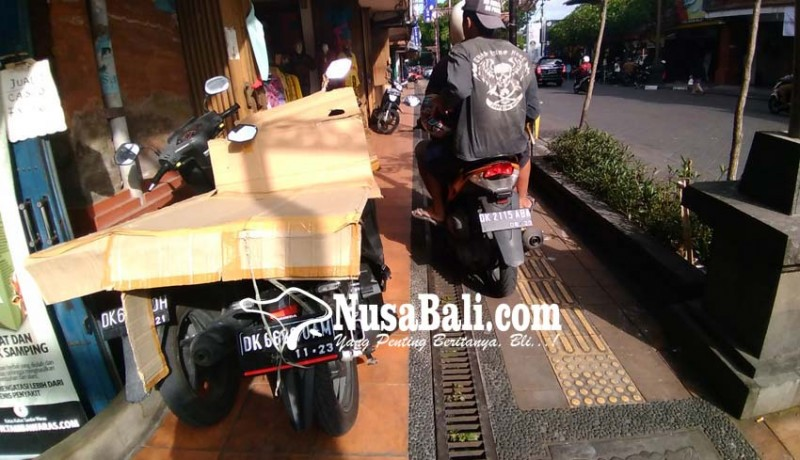 www.nusabali.com-muncul-lagi-pelanggar-parkir-di-jalan-gajah-mada