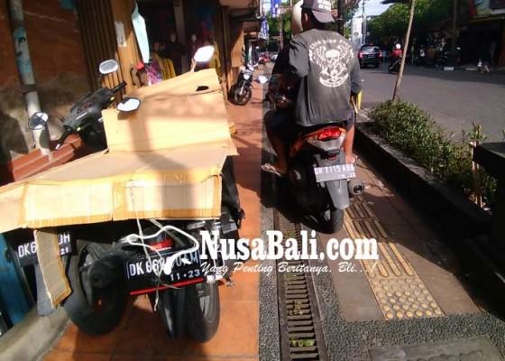 Nusabali.com - muncul-lagi-pelanggar-parkir-di-jalan-gajah-mada