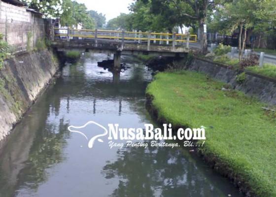 Nusabali.com - bws-bali-penida-fokus-pengerjaan-bendung-gerak-dan-tanggul