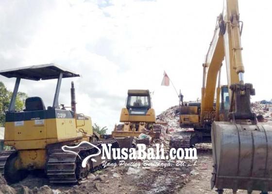 Nusabali.com - tpa-mandung-kekurangan-alat-berat