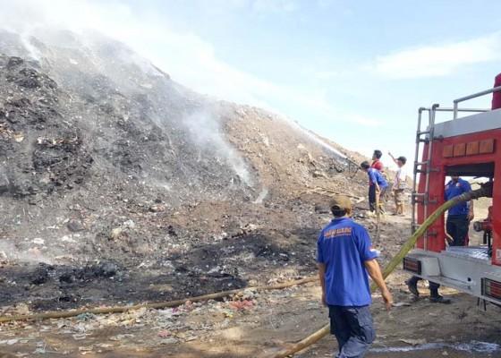 Nusabali.com - gunung-sampah-tpa-bengkala-terbakar