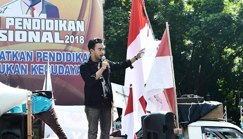 www.nusabali.com-guru-di-indonesia