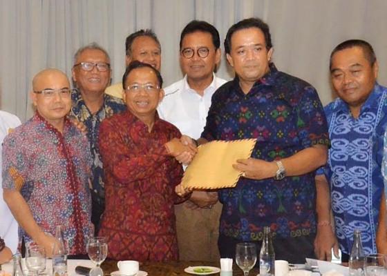 Nusabali.com - ampb-dan-asita-komite-tiongkok-dukung-gubernur-tata-pariwisata-bali