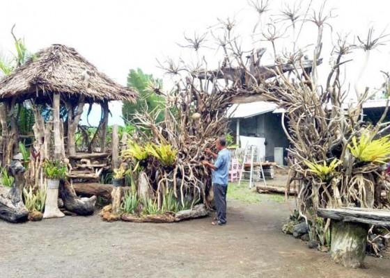 Nusabali.com - rumah-gazebo-dari-sampah-kayu-kembali-dibuat