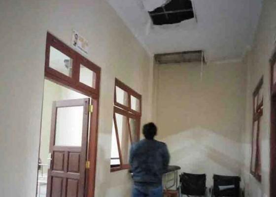 Nusabali.com - plafon-rsu-bangli-jebol