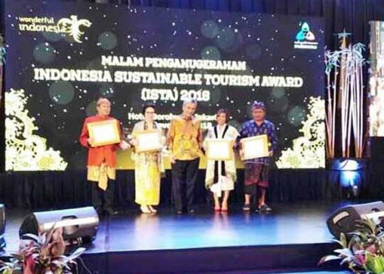 Nusabali.com - pandawa-sabet-penghargaan-dari-menteri-pariwisata