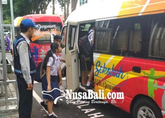 Nusabali.com - dishub-rancang-bus-sekolah-tiketnya-sampah