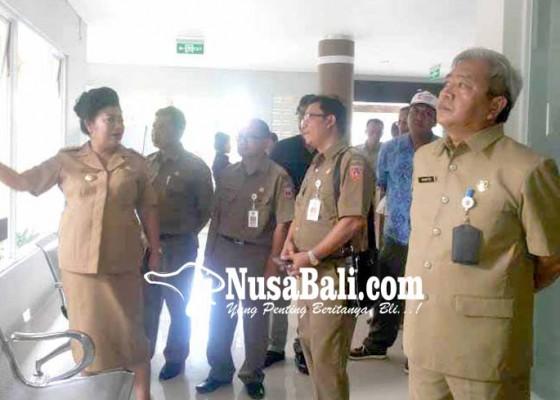 Nusabali.com - bupati-dan-kadiskes-cek-pembangunan-puskesmas-kubu-ii