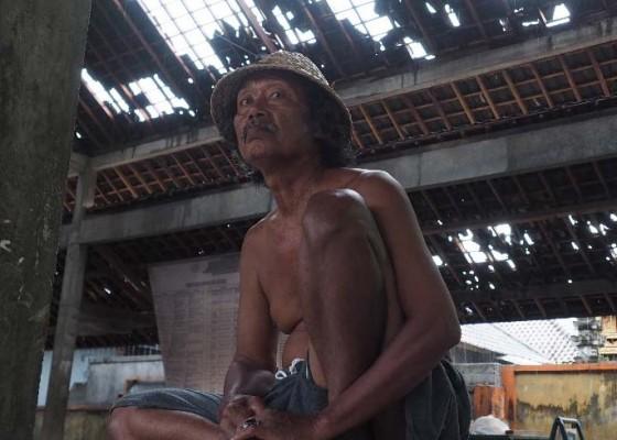 Nusabali.com - puting-beliung-terjang-gelgel-kamasan