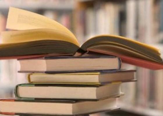 Nusabali.com - 10-sekolah-dapat-sumbangan-buku-dari-tiongkok