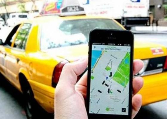 Nusabali.com - aturan-baru-taksi-online-segera-keluar