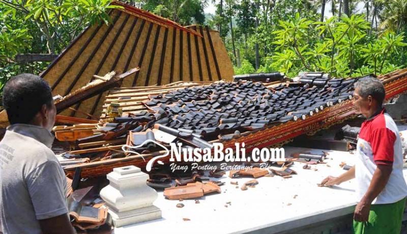 www.nusabali.com-baru-dibangun-bale-gong-pura-subak-ketapang-roboh