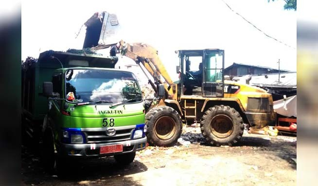 www.nusabali.com-pasca-antrean-truk-sampah-tpss-dan-bank-sampah-menumpuk