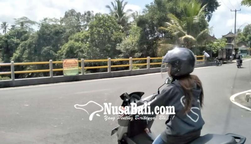 www.nusabali.com-banjar-bebalang-pasang-larangan-pemasangan-spanduk