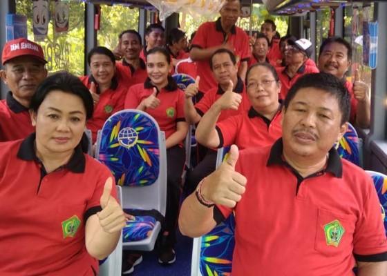 Nusabali.com - pemkab-jembrana-terima-bantuan-bus-sekolah
