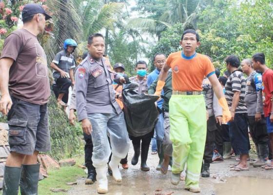 Nusabali.com - longsor-di-pacitan-tewaskan-satu-keluarga