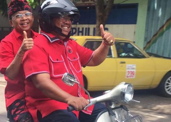 Nusabali.com - gubernur-dibonceng-bupati-naik-vespa
