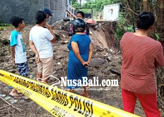 Nusabali.com - tukad-tiyis-dihuni-gamang-hingga-kuntilanak