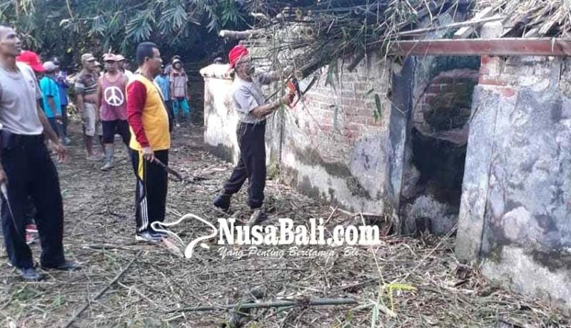 www.nusabali.com-permandian-banjar-papung-tertimbun-rumpun-bambu