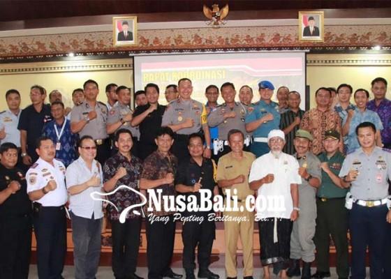 Nusabali.com - siagakan-1179-personil-10-gereja-dijaga-ketat