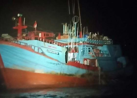 Nusabali.com - satelit-mati-kapal-tabrak-karang
