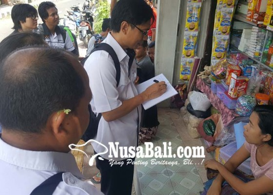 Nusabali.com - tim-loka-pom-telusuri-minuman-yang-bikin-perbekel-ko