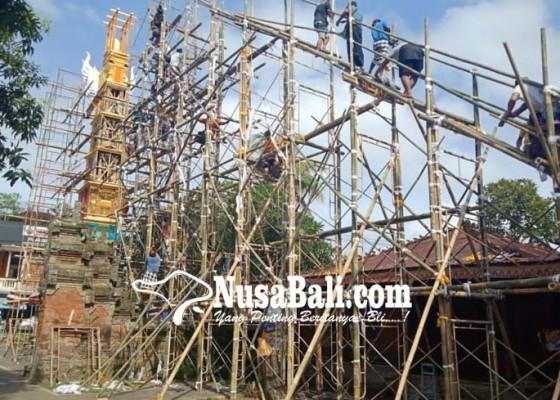 Nusabali.com - gunakan-bade-padma-negara-setinggi-24-meter
