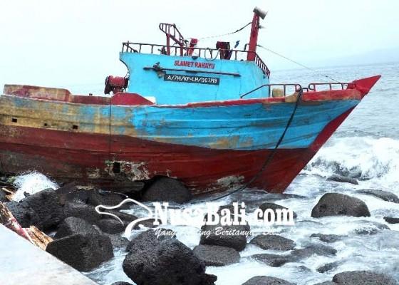 Nusabali.com - kapal-nelayan-karam-rusak-berat