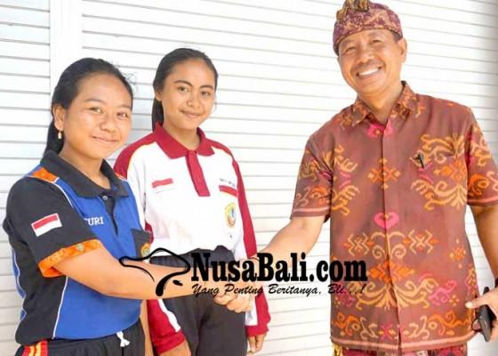Nusabali.com - duet-srikandi-pemenang-pemilos-smkn-amlapura
