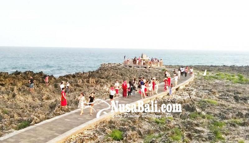 www.nusabali.com-water-blow-masih-jadi-primadona-wisatawan