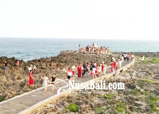 Nusabali.com - water-blow-masih-jadi-primadona-wisatawan
