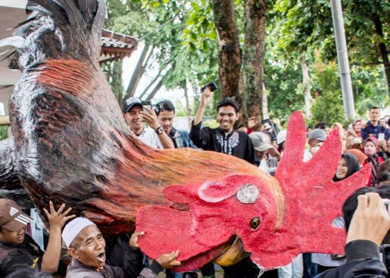 Nusabali.com - masyarakat-cianjur-pesta-nasi-liwet