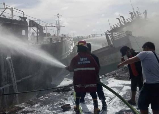 Nusabali.com - lagi-tiga-kapal-ikan-terbakar-di-pelabuhan-benoa