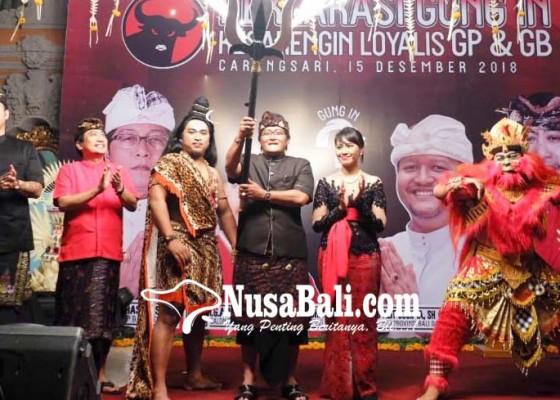 Nusabali.com - gek-inda-deklarasi-puri-carangsari-pun-memerah