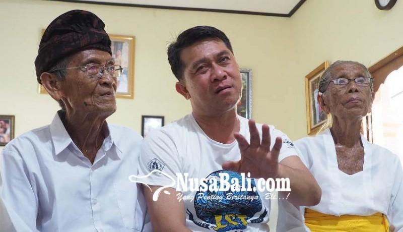 www.nusabali.com-bupati-suwirta-nangis-di-hadapan-orangtuanya