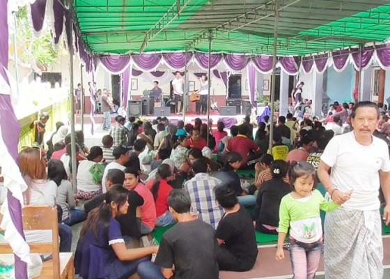 Nusabali.com - napi-bisa-temu-keluarga-setengah-hari