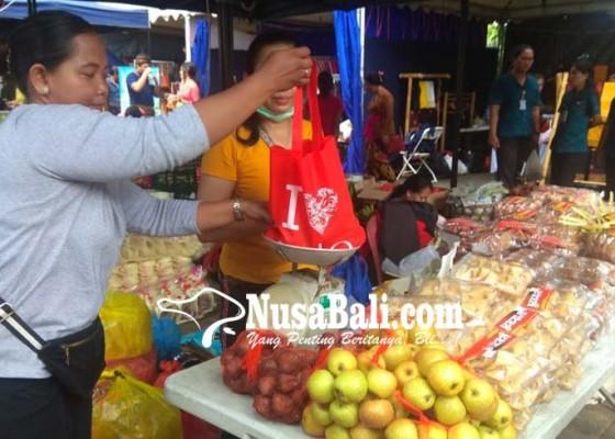 Nusabali.com - pasar-murah-sekaligus-sosialisasi-tanpa-kantong-plastik