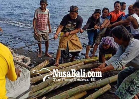 Nusabali.com - anggota-dpr-ri-motivasi-nelayan-di-karangasem
