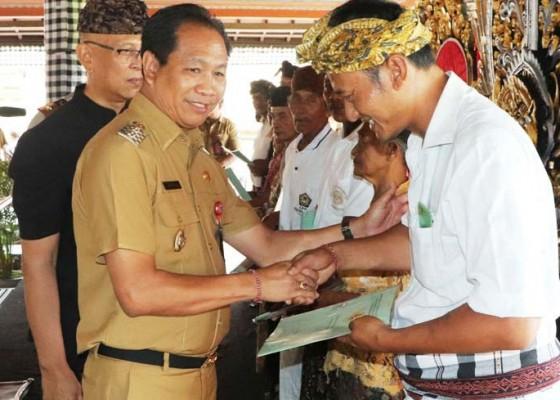 Nusabali.com - seluruh-sertifikat-tanah-di-badung-telah-diserahkan