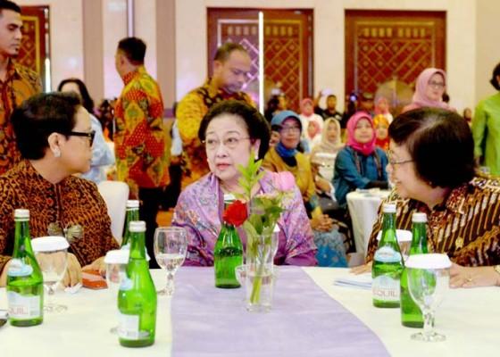Nusabali.com - mega-kumpul-bareng-menteri-perempuan