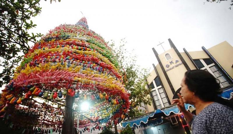 NUSABALI.com - Kreasi Pohon Natal