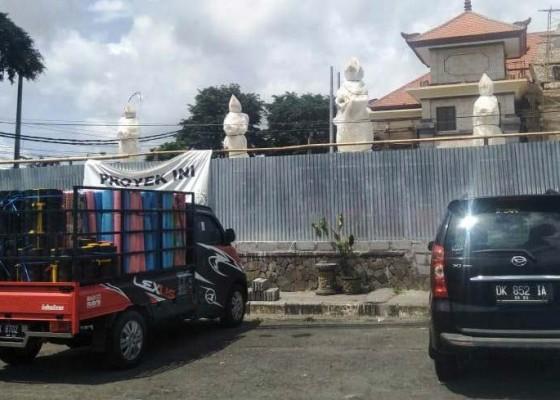 Nusabali.com - kawasan-pasar-loka-crana-diharapkan-bebas-reklame