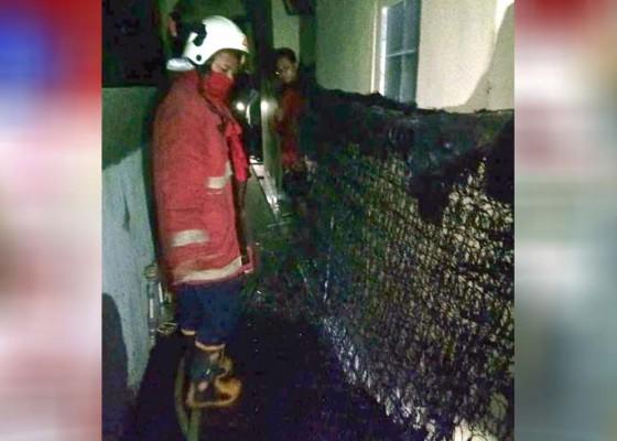 Nusabali.com - kamar-kos-di-petang-terbakar-kerugian-diperkirakan-rp-30-juta