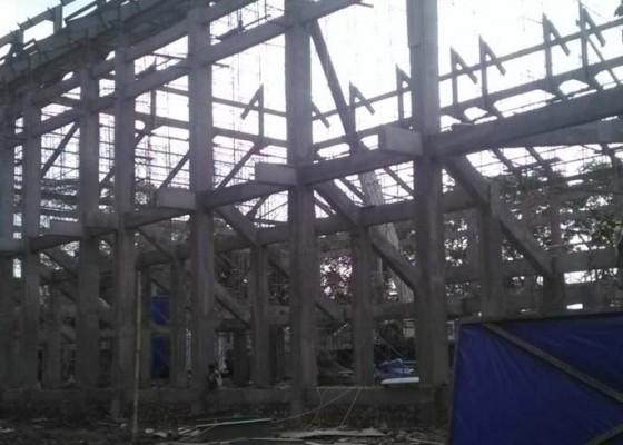 Nusabali.com - pembangunan-tetap-molor-kontraktor-gor-debes-dipenalti