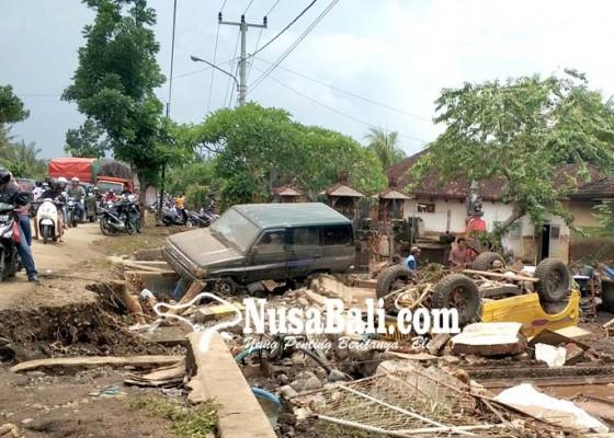 Nusabali.com - banjir-bandang-terjang-bilukpoh-103-kk-ngungsi
