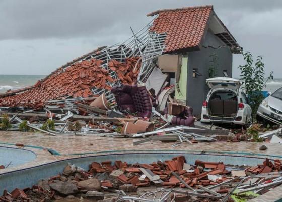 Nusabali.com - tsunami-selat-sunda-telan-222-nyawa