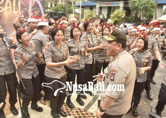 Nusabali.com - kapolda-gemakan-perdamaian-melalui-pentas-choir-polda-bali