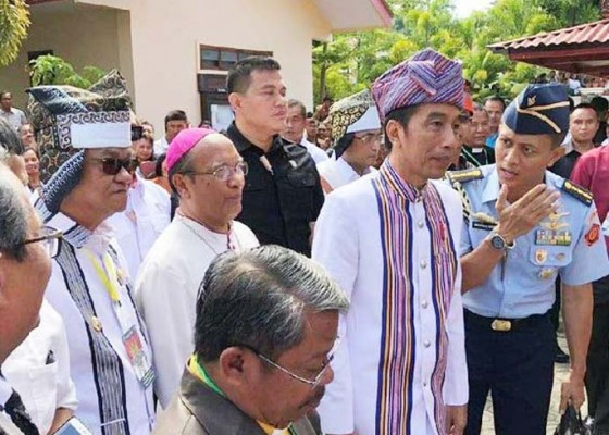 Nusabali.com - jokowi-kirim-pesan-damai-dari-tana-toraja