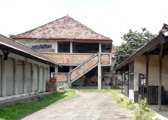 Nusabali.com - wacana-alih-fungsi-pasar-kertha-sari-jadi-sekolah-bikin-pedagang-resah