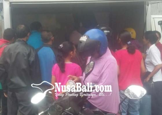 Nusabali.com - pasar-murah-tetap-diserbu-pembeli